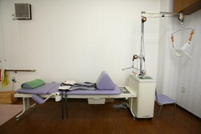 牽引装置(腰、首)|接骨院 大府市 腰痛治療